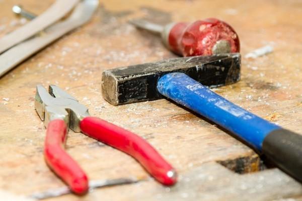 tool-384740_640